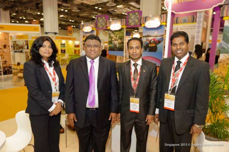 2-Officials-representing-SL-High-Commission-in-Singapore-and-SLTPB